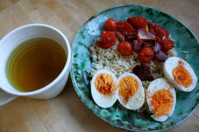 egg, rice, tomatoes