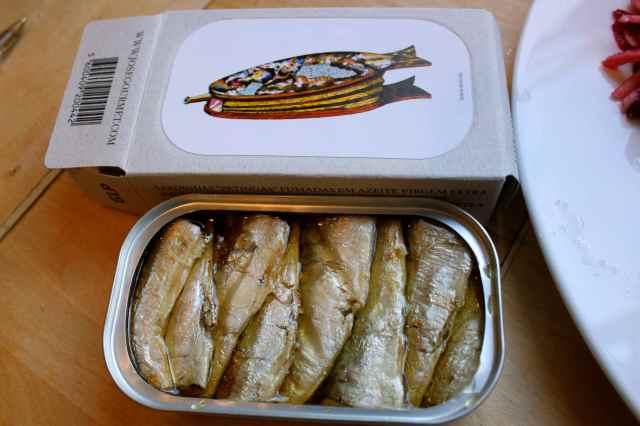 smoked small sardines