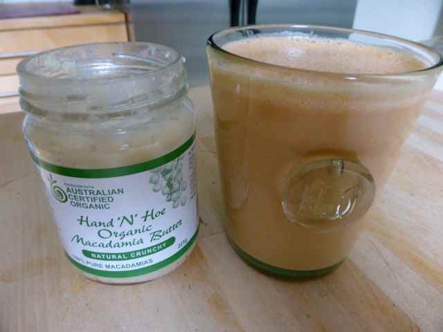 smoothie and macadamia butter