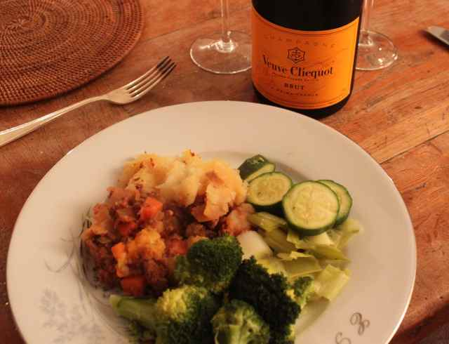 Shepherd's pie and champagne