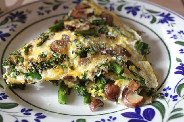 broccoli and mushroom omelette