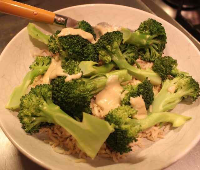 broccoli, roce and Tahini