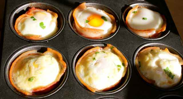 egg and bacon cupcakes