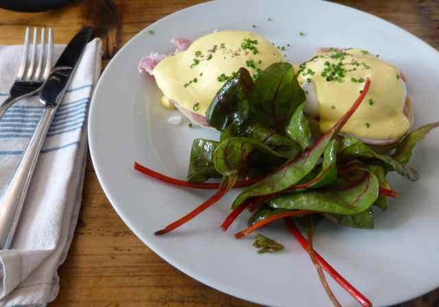 eggs hollandaise x 2