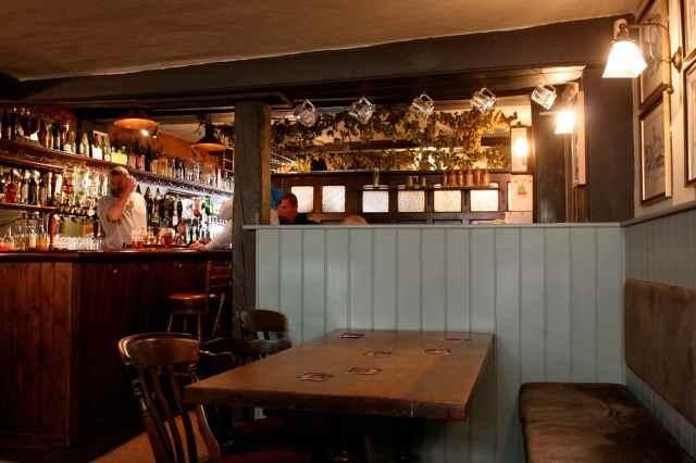 Bear Inn bar