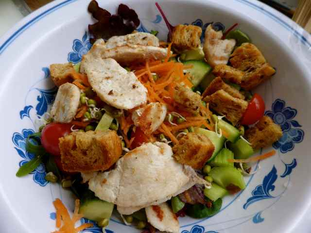 chicken, salad, croutons