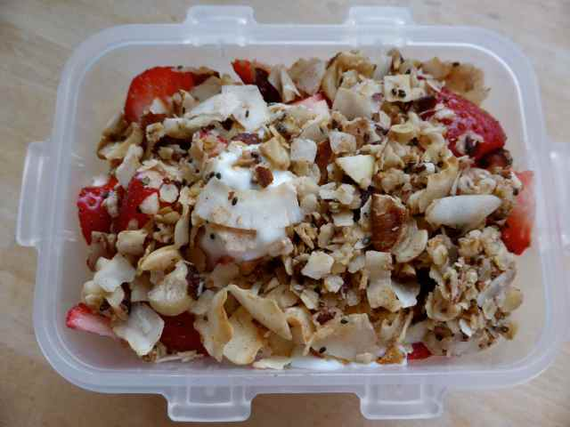 granola and strawberries