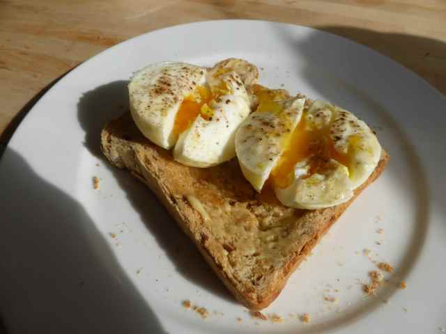 poached eggs on toast