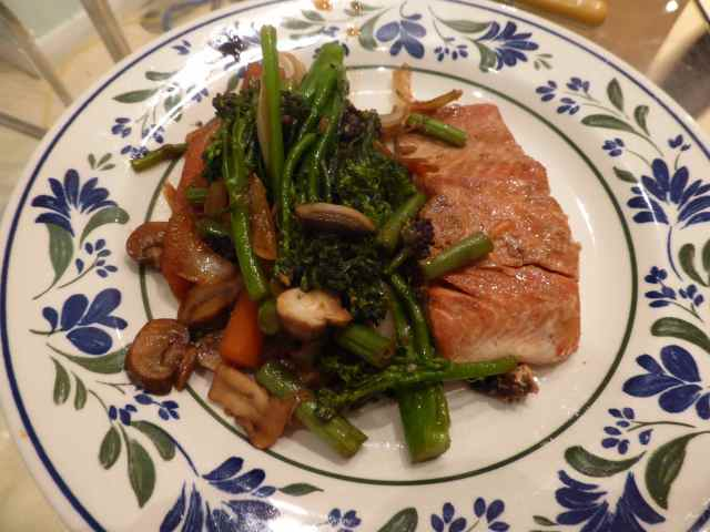 salmon and stir fried veggies