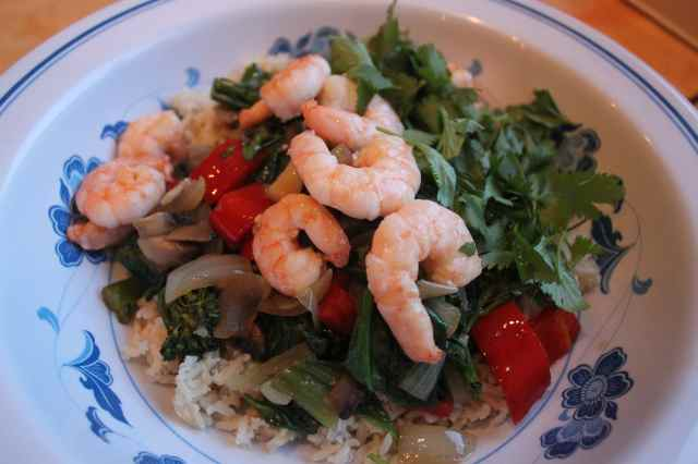 stir fried prawns, roce and veg