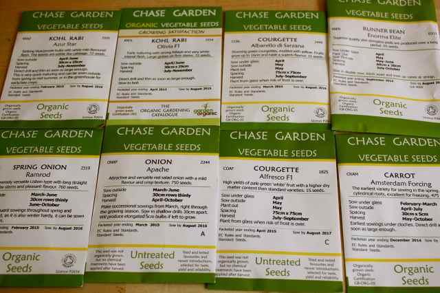 8 Garden Organic seed packets