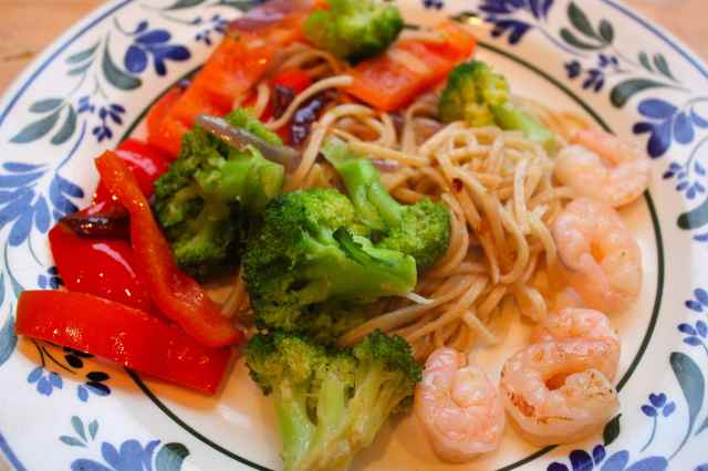 noodles veg and prawns