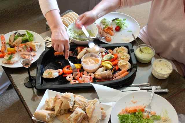 seafood platter bread