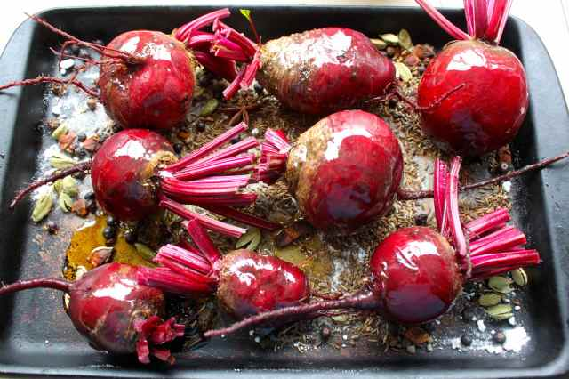 beetroots in baking dish