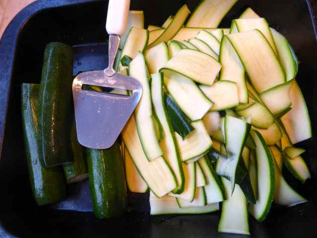 Courgettes and cheese grater