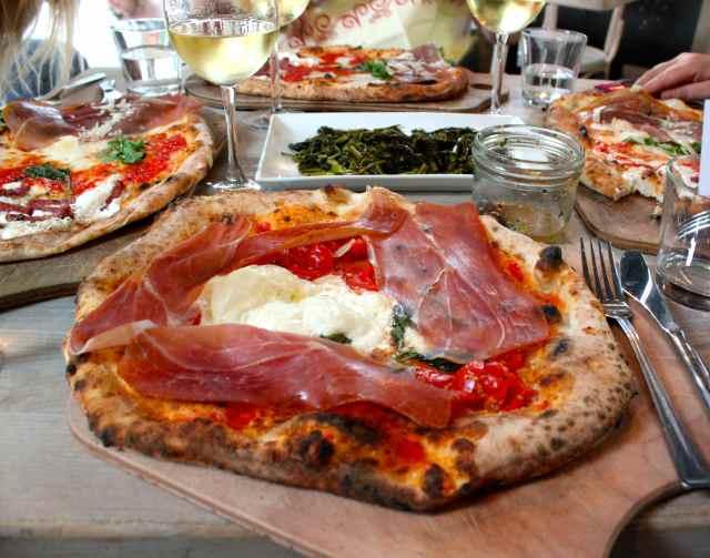 Rosopomodoro pizza