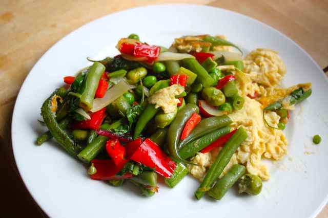 stir fried veg and egg