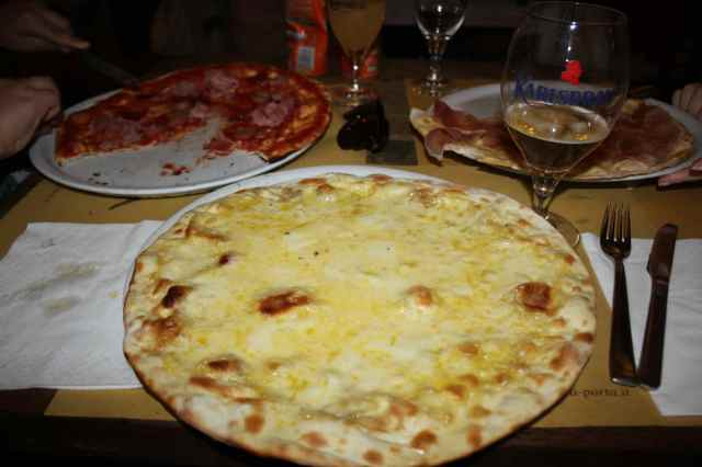 4 cheese pizza Fierenze