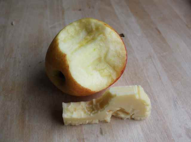 apple and Cheddar 29-8