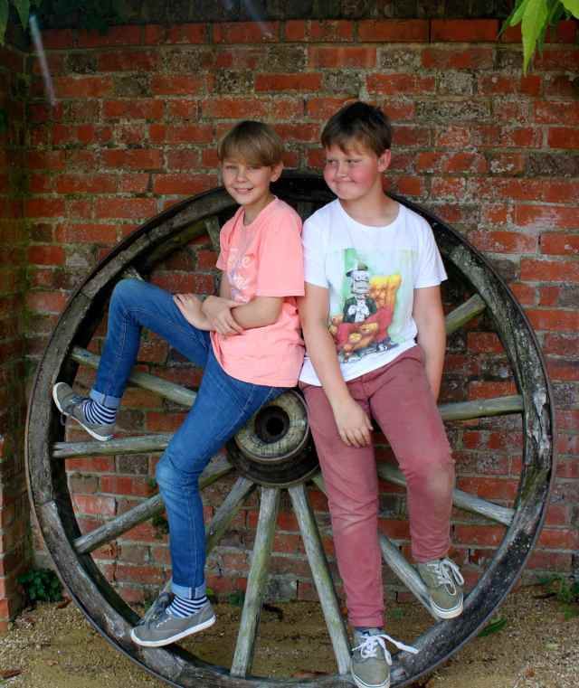 H and Oon wheel