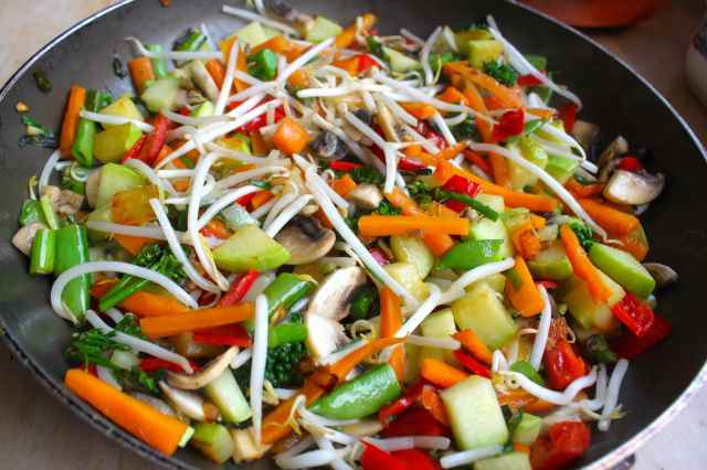 large pan of stir fried veg