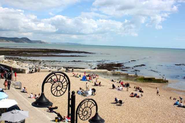 Lyme Regis low tode