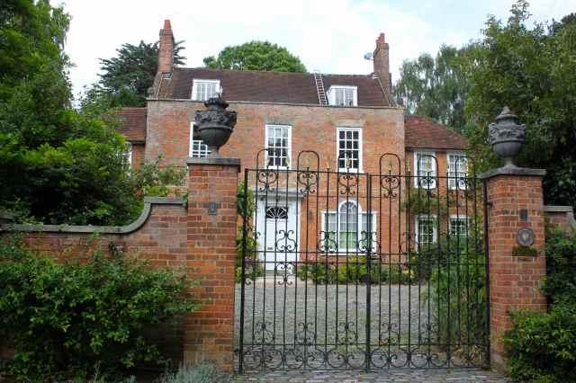 Maidstone House, Epsom