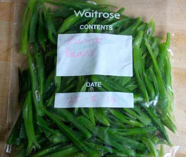 Runner beans in freezer bag