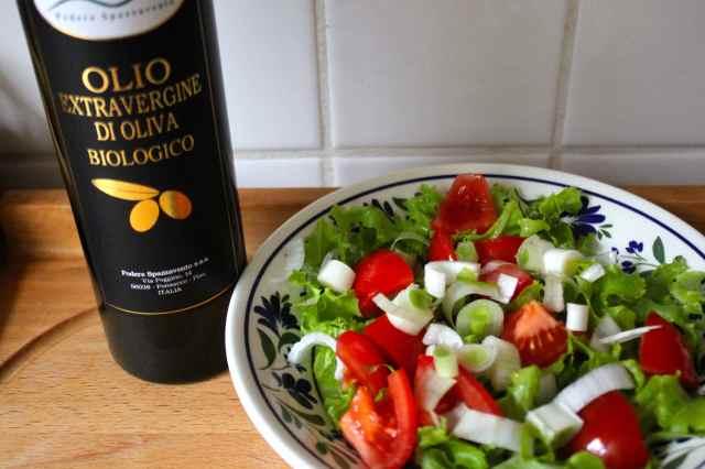 salad and olio