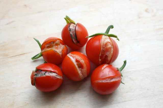 split cherry tomatoes