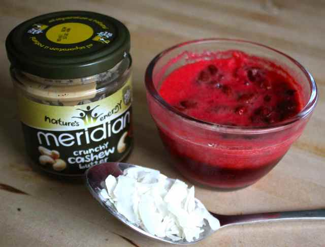 strawbs and nut butter