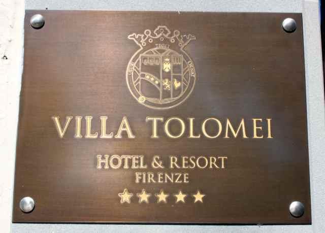 Villa Tolomei sign