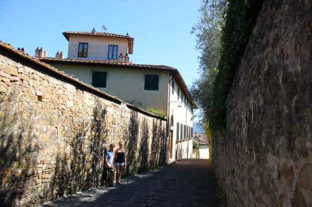 walking to Boboli 3
