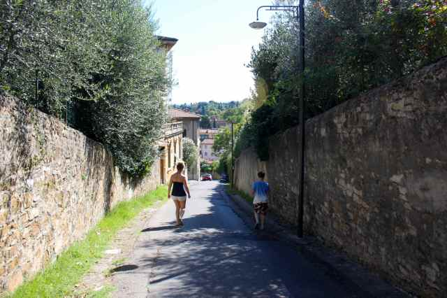walking to Boboli