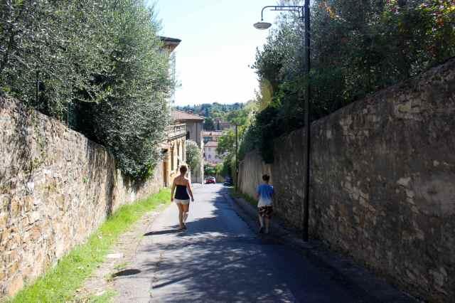 walking to Boboli