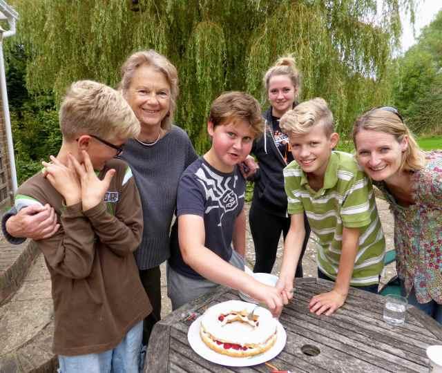 birthday cake by Aunty M