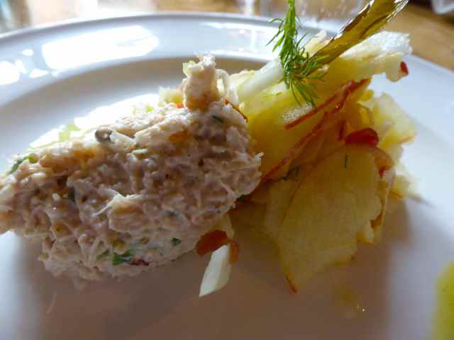 crab with apple and fennel salad