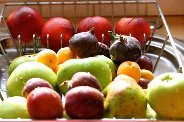 fruit on draining board