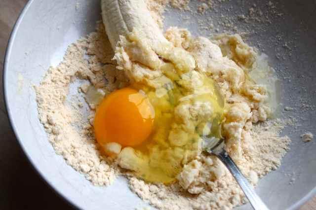 mixing coconut pancake