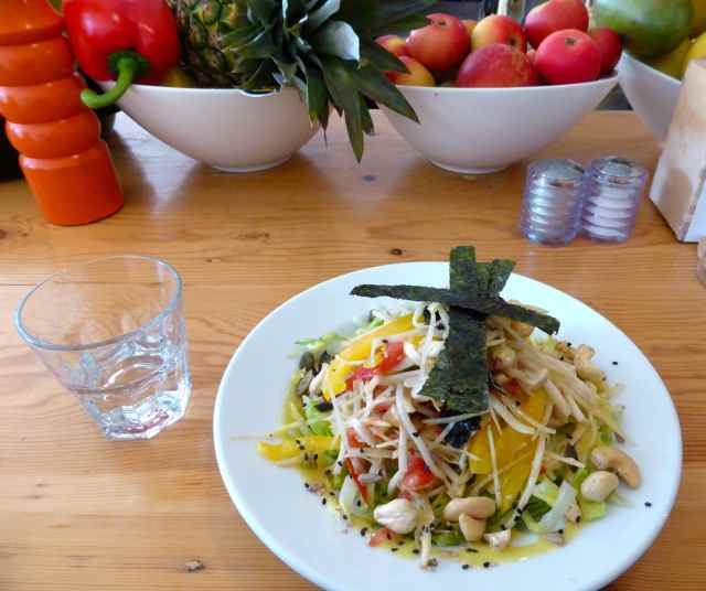wild food tropical salad 3