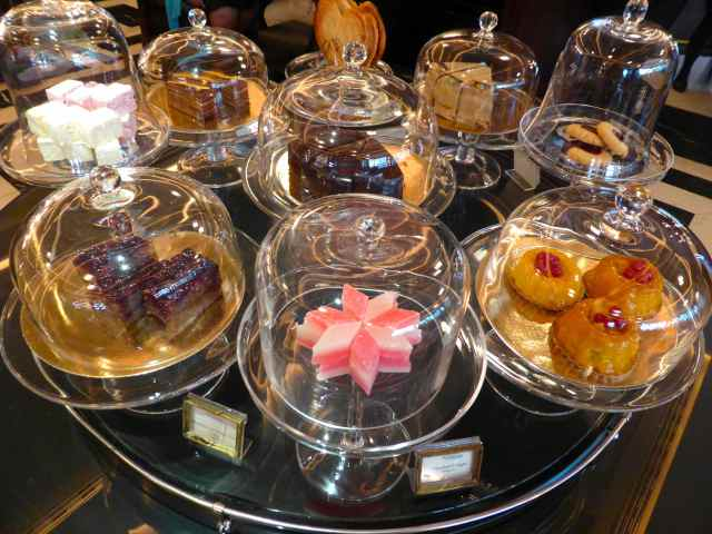 cake display Delaunay