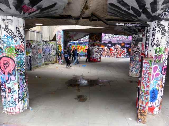 graffiti under NT