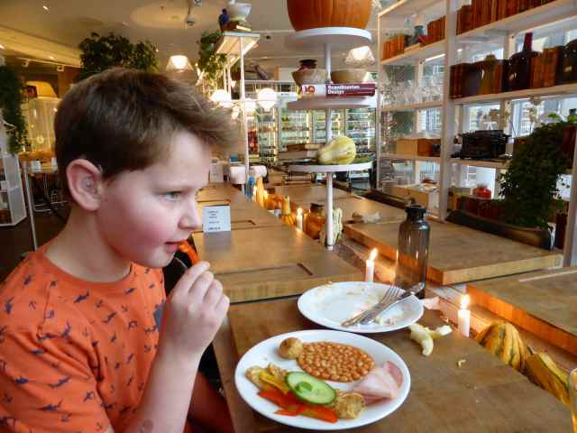 H having breakfast Stockhom
