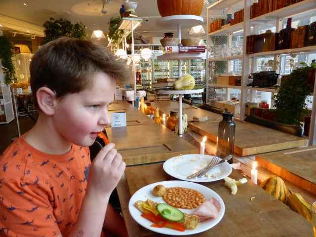 H having breakfast Stockhom