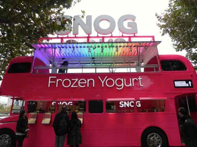 SNOG pink bus