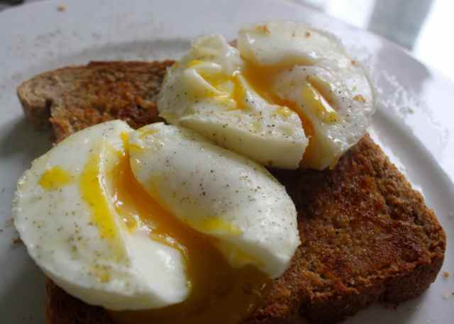 poached eggs on toast 30-11