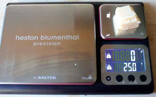 Precision scale