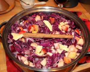 red cabbage in pan