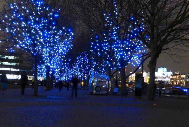 blue lights in Bankside