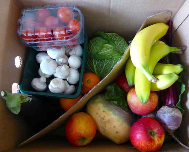 deluxe fruit and veg box